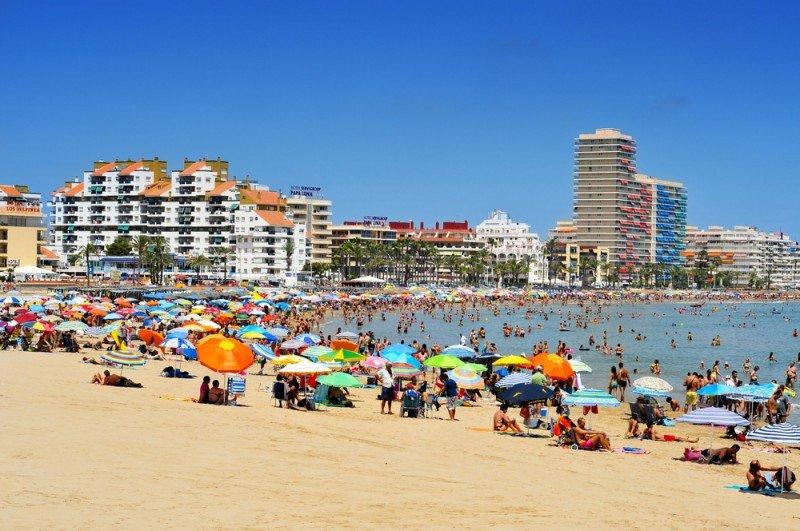 En 2012, llegaron a España 57,7 millones de turistas extranjeros. #shu#