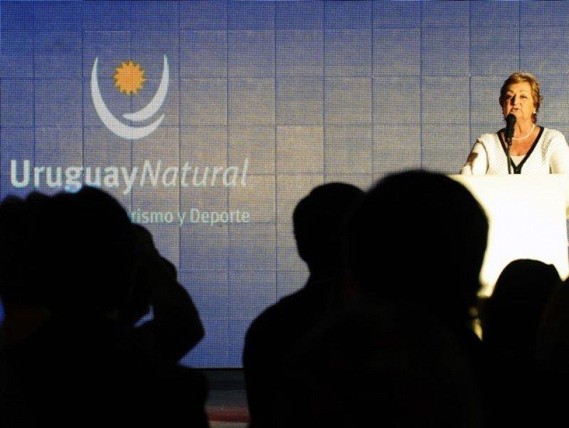 Ministra Kechichián en el evento oficial.