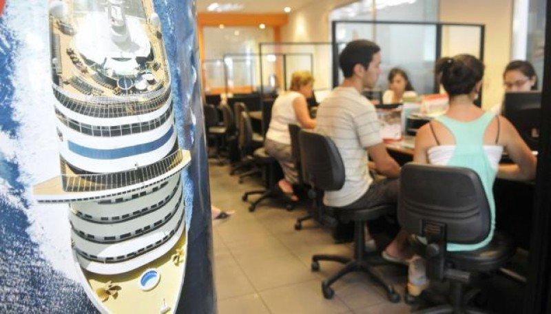 Las agencias deben cobrar el 35% de recargo a las operaciones fuera de Argentina.
