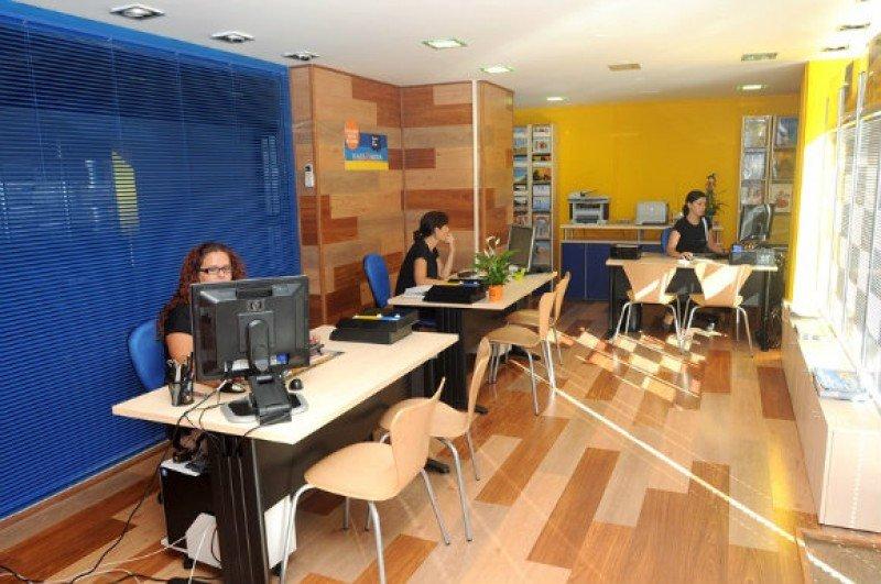 Las agencias argentinas dan trabajo a más de 20.000 personas.