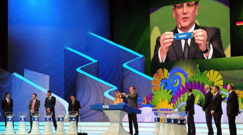 Sorteo de los grupos del Mundial. Foto FIFA