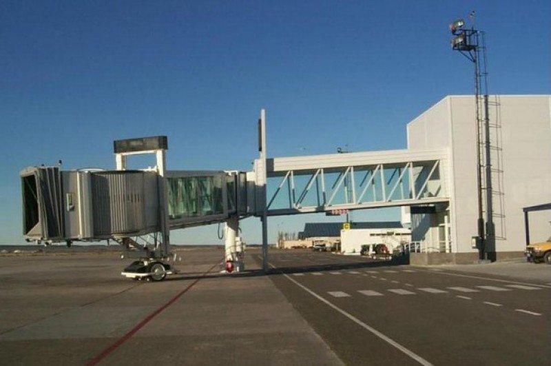 Aeropuerto General Mosconi.