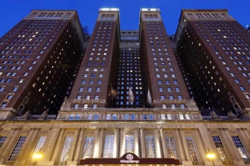 Fachada del Hilton Chicago.