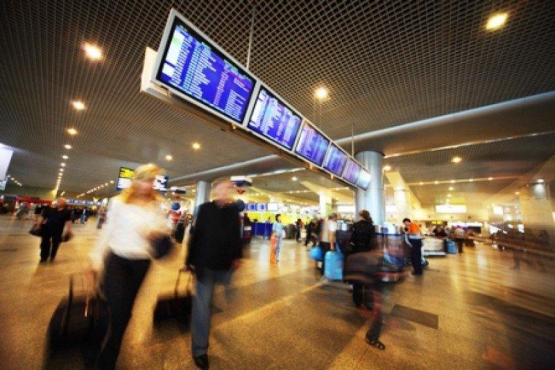 Los pasajeros están en el centro de la inversión en tecnología de los aeropuertos. #shu#