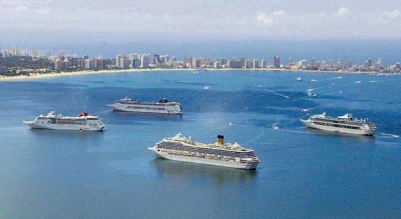 Cruceros en la Bahía de Maldonado.