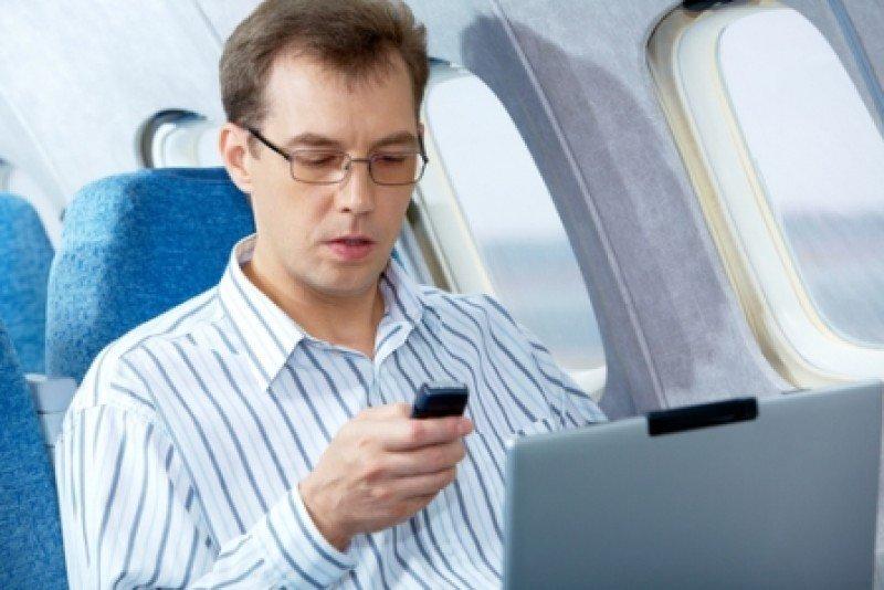 Nueva guía para el uso de celulares en aviones en Europa