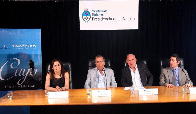 Izq a der: Celeste Sosa (San Luis), Dante Elizondo (San Juan), Enrique Meyer (Nación) y Javier Espina (Mendoza). (Foto: Gobierno de Mendoza).