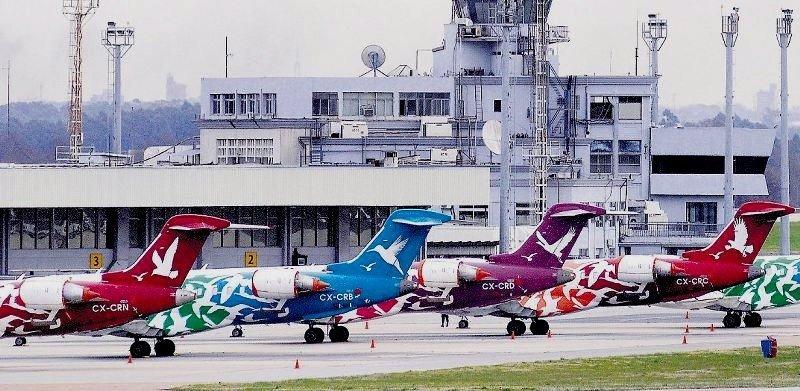 Aviones de Pluna en el Aeropuerto de Carrasco.