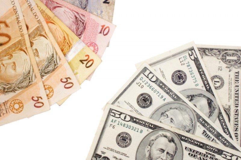 La medida provocará un aumento en la demanda de dólares en los bancos y casas de cambio, ya que son las transacciones con menor gravamen. #shu#