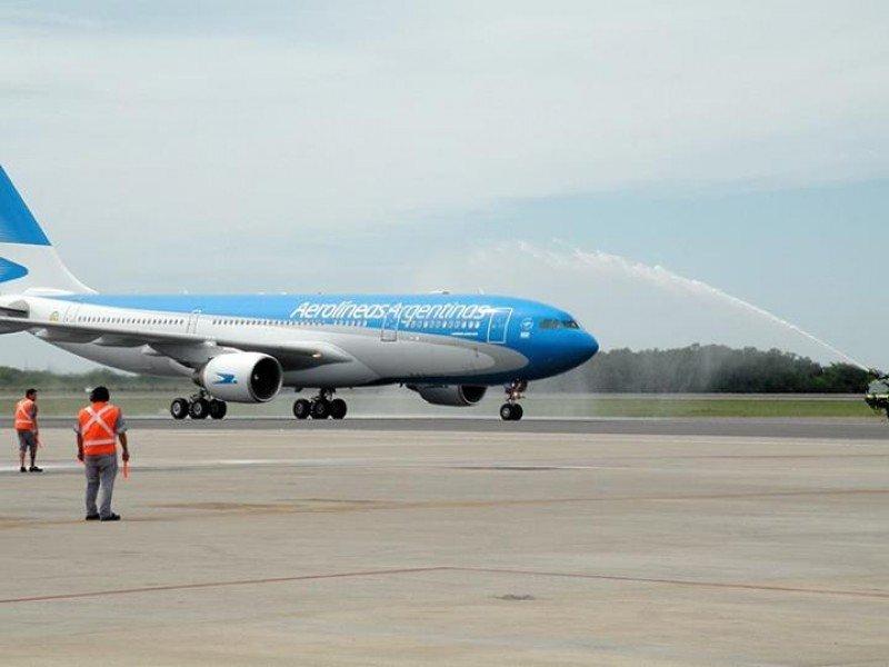 El Boeing 737-800 que recibió Aerolíneas este lunes.