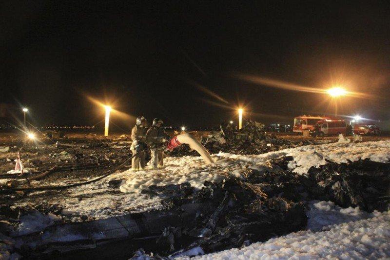 Actuación de los cuerpos de seguridad, tras el accidente de Tatarstan Airlines en Rusia, el peor del año 2013 por número de víctimas.
