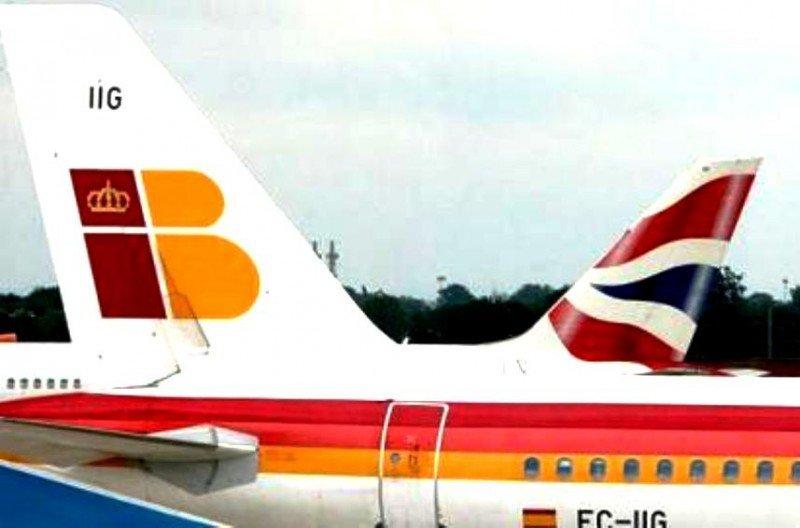 La demanda de Iberia cae un 16,5% y la de vueling se dispara un 27,9%