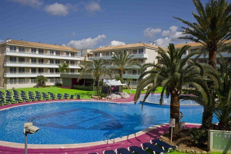 Piscina del Mallorca Rocks Hotel.