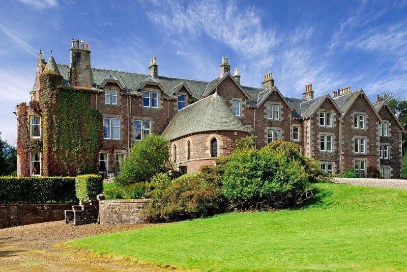 El Cromlix dispondrá de sólo 15 habitaciones, cada una de ellas dedicada a un escocés famoso del pasado o del presente, en las que se podrá pernoctar por 300 euros la noche.