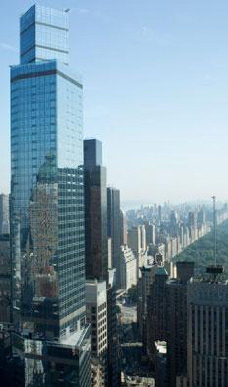 Los dos hoteles de Marriott ocupan las 68 plantas del edificio, lo que les convierte en el establecimiento más alto de Norteamérica.