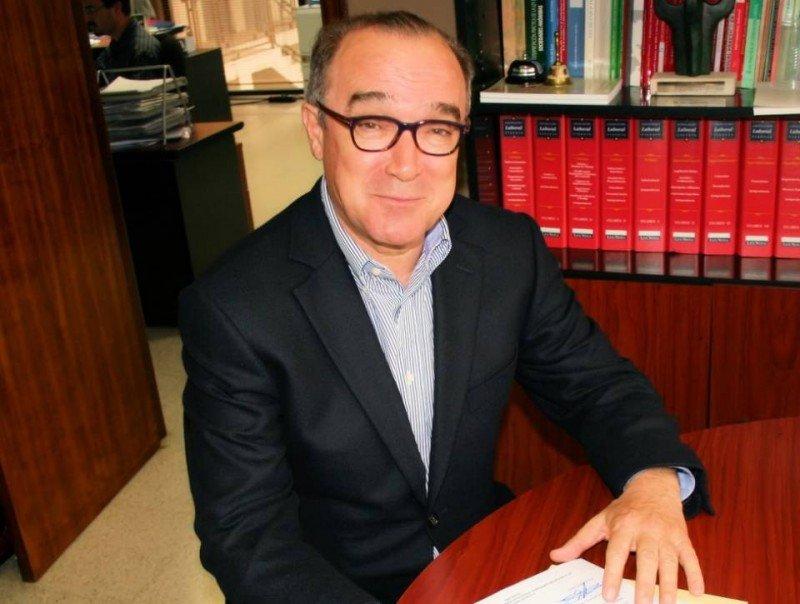 Para Antonio Mayor el Imserso no deja de ser 'una injerencia pública en la determinación de los precios hoteleros de invierno'.