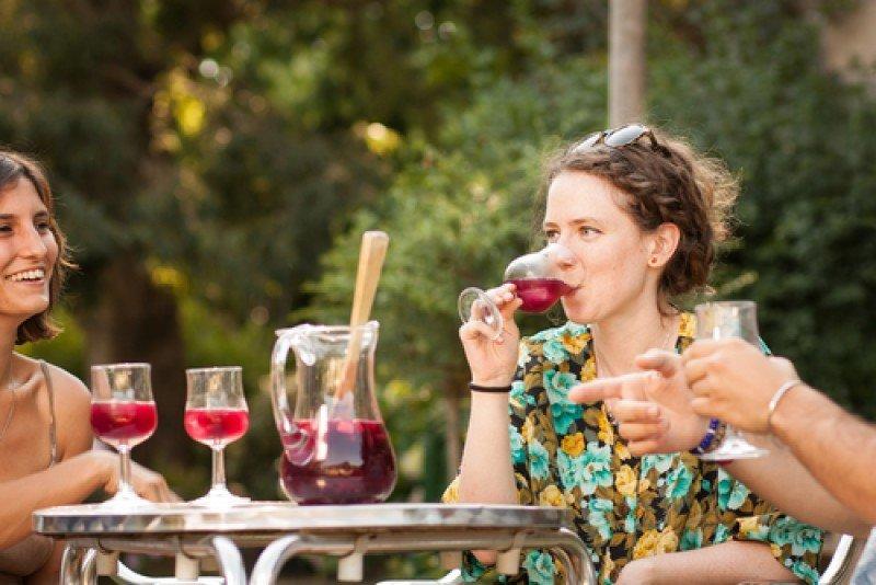 La sangría es unas de las bebidas más demandas en los restaurantes y bares de España. #shu#