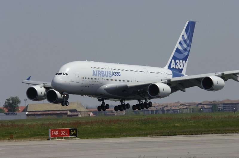 El A380 cuesta casi 414,5 millones de dólares.
