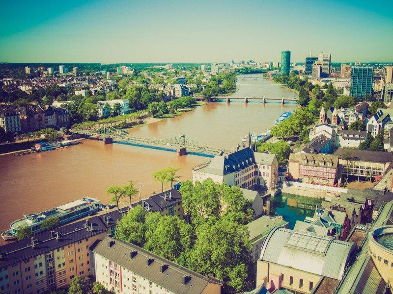 Frankfurt tuvo las tarifas más altas entre las ciudades analizadas.