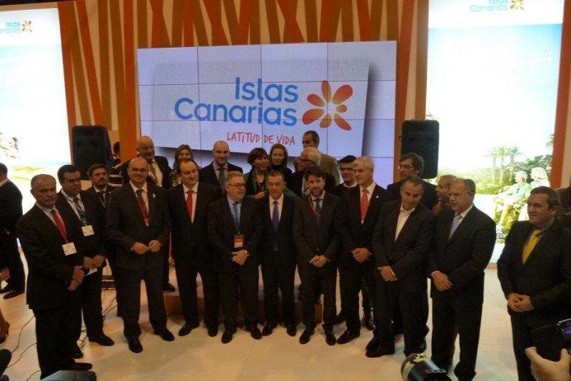 Los representantes de Canarias, durante la inauguración de Fitur.