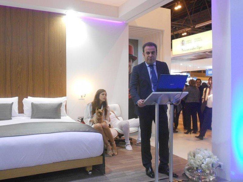 El vicepresidente y consejero delegado de Meliá Hotels International, Gabriel Escarrer, en la presentación de la cadena en Fitur.