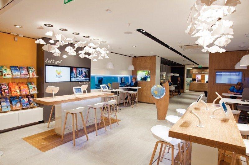 Las nuevas tiendas de Thomas Cook están llenas de pantallas táctiles.