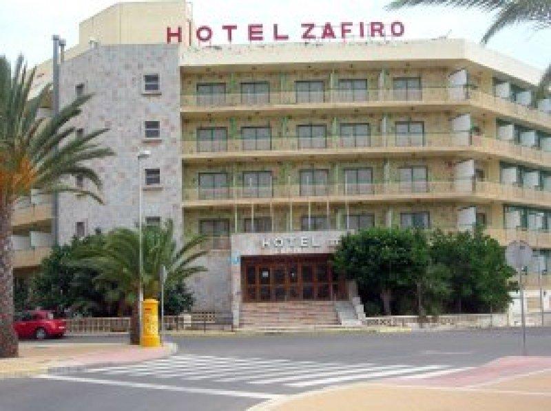 Bankia compra el Hotel Zafiro de Roquetas de Mar en subasta pública