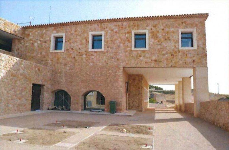 Imagen del Palacio del Infante Don Juan Manuel cuando aún estaba en obras. Foto: RadioAzul.