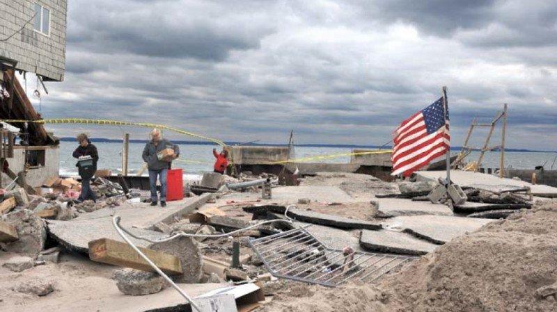 Infraestructuras y edificios dañados en Nueva York tras el paso del huracán Sandy en noviembre de 2012. #shu#