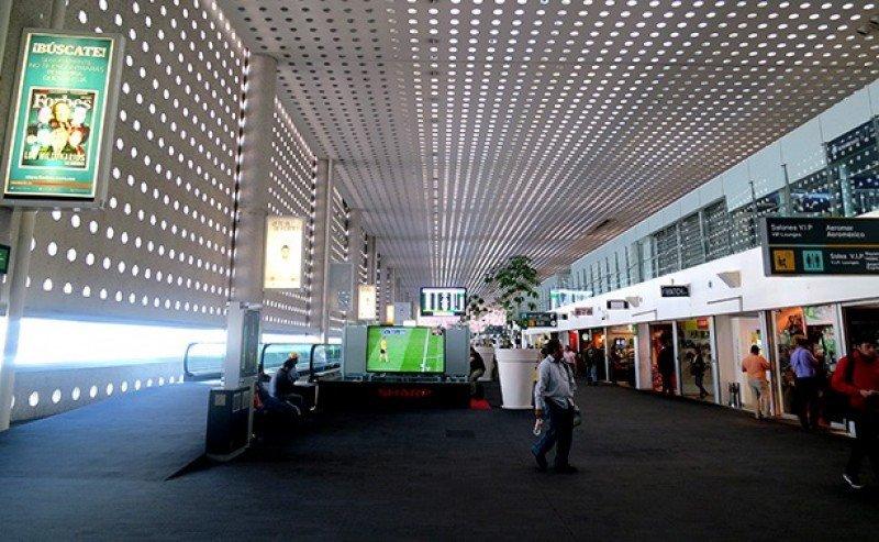 Concesión de aeropuerto de México DF enfrenta a Estado y empresa