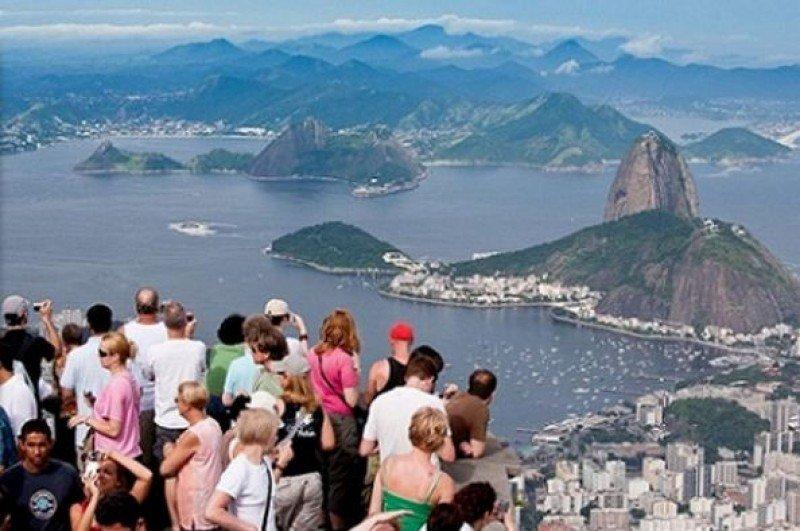 Brasil recibió 6 millones de turistas extranjeros.