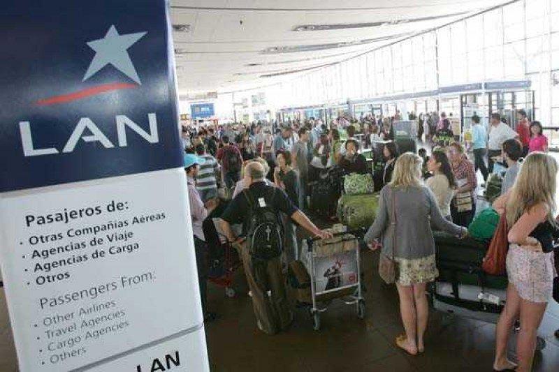 Transporte aéreo de pasajeros en Chile crece un 8,2% en 2013