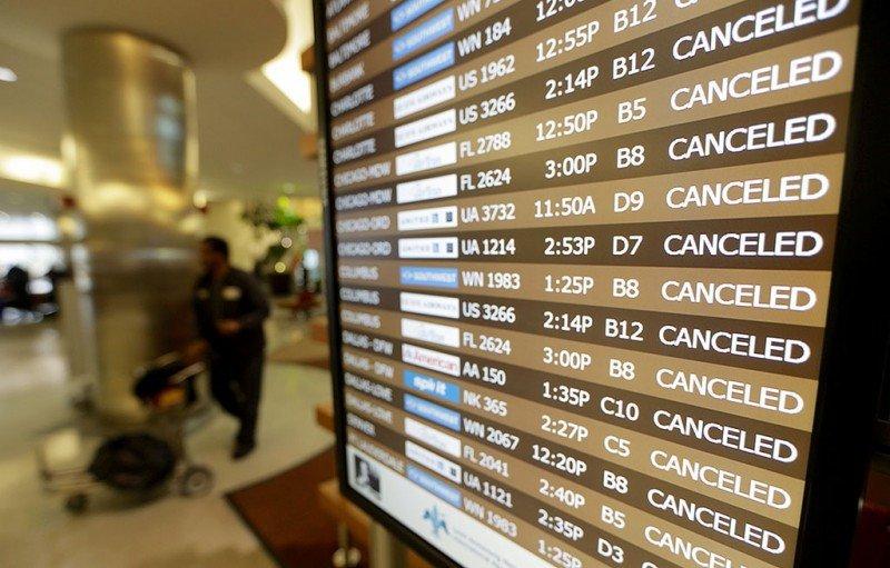 De los pasajeros que reclaman por cancelaciones o retrasos sólo el 2% recibe una compensación
