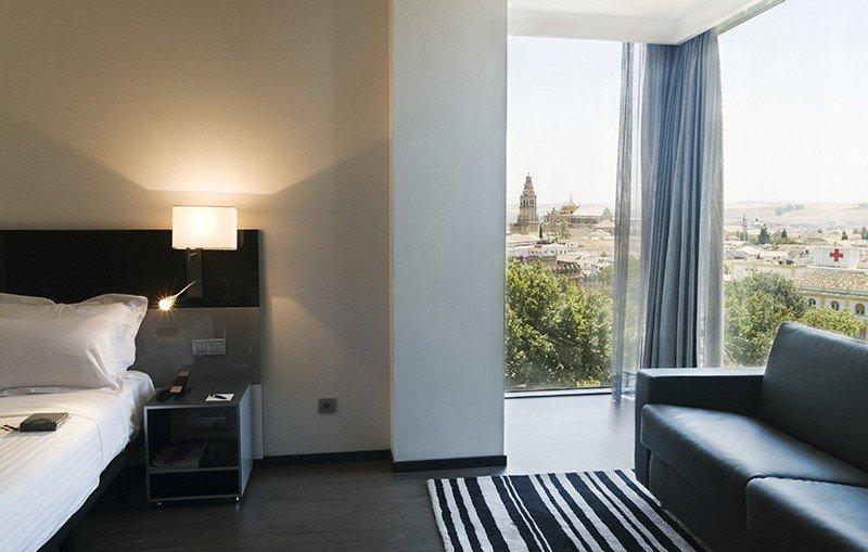 H10 y Hotusa compran al 50% el Hotel Córdoba Palacio