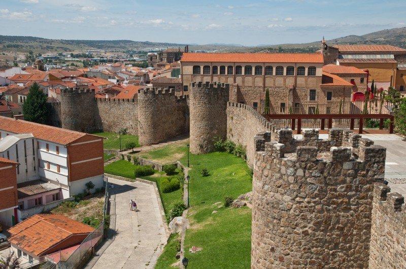 El Ayuntamiento de Plasencia colaborará en la creación de centros turísticos comarcales. #shu#