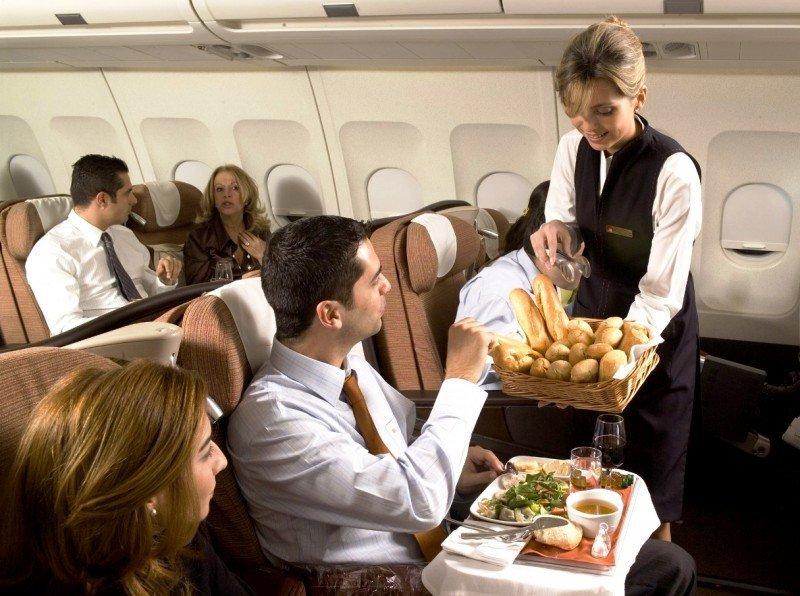Iberia pacta medidas de productividad con sindicatos de tripulantes de cabina salvo Stavla