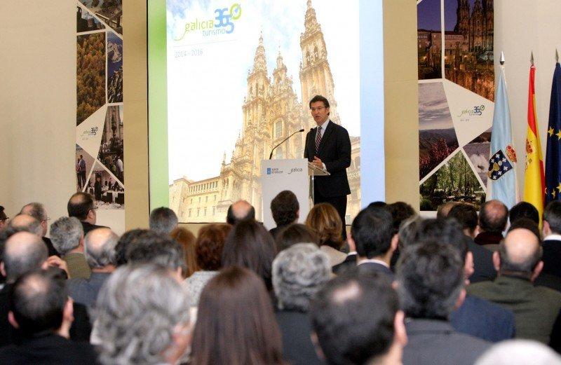 El presidente de la Xunta de Galicia, Alberto Núñez Feijóo, presenta la nueva estrategia de turismo.