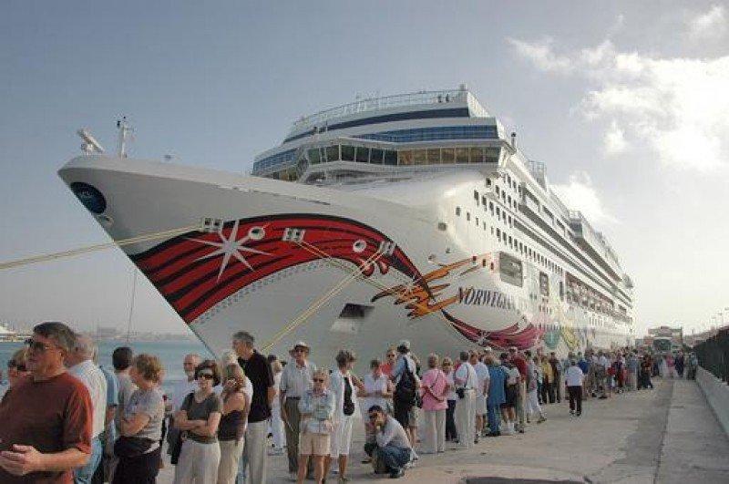 España recibió un 3,3% más de cruceros en 2013
