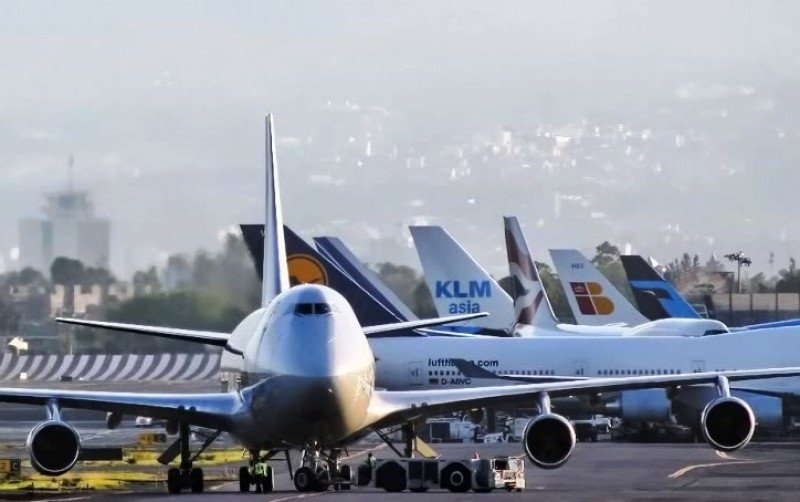 Las compañías tradicionales superan a las low cost por más de medio millón de pasajeros