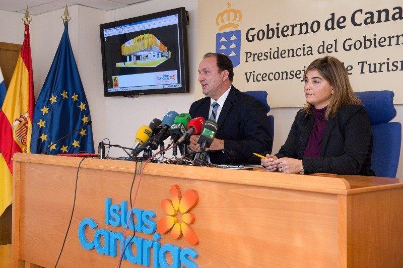 Ricardo Fernández de la Puente Armas y María Méndez, durante la rueda de prensa ofrecida ayer.