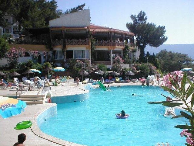 First Choice tendrá que indemnizar con 2 M € a los clientes que enfermaron en un resort turco