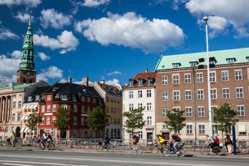 Ciclistas en Copenhague. La capital de Dinamarca remarca siempre la sostenibilidad del destino en sus campañas de promoción turística. #shu#