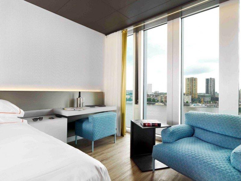 NH Hoteles ha abierto el nhow Rotterdam en un nuevo edificio de diseño.