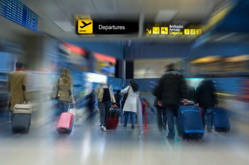 El gasto total de los turistas españoles en sus viajes al extranjero aumentó un 2,3% el año pasado. #shu#