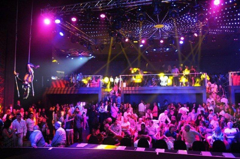 OVO, discoteca de noche y centro de espectáculos y entretenimiento de día, la nueva propuesta de Conrad este verano.