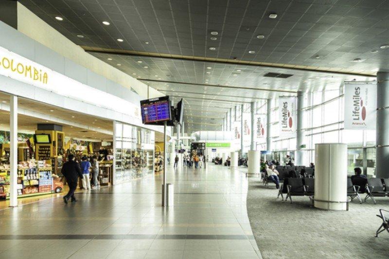 Aeropuerto Eldorado de la ciudad de Bogotá- #shu#