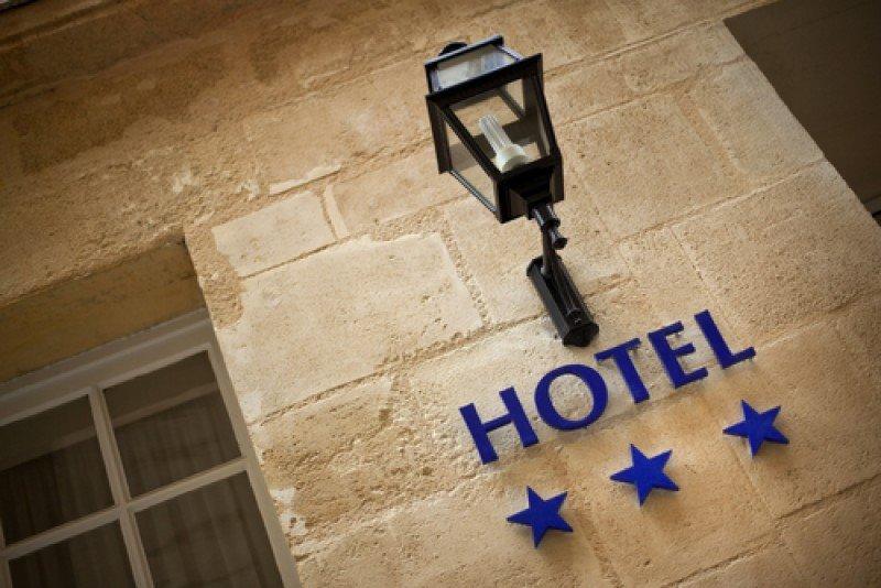 Entre octubre y diciembre de 2013 la actividad de los hoteles tres estrellas cayó 14,2%. #shu#