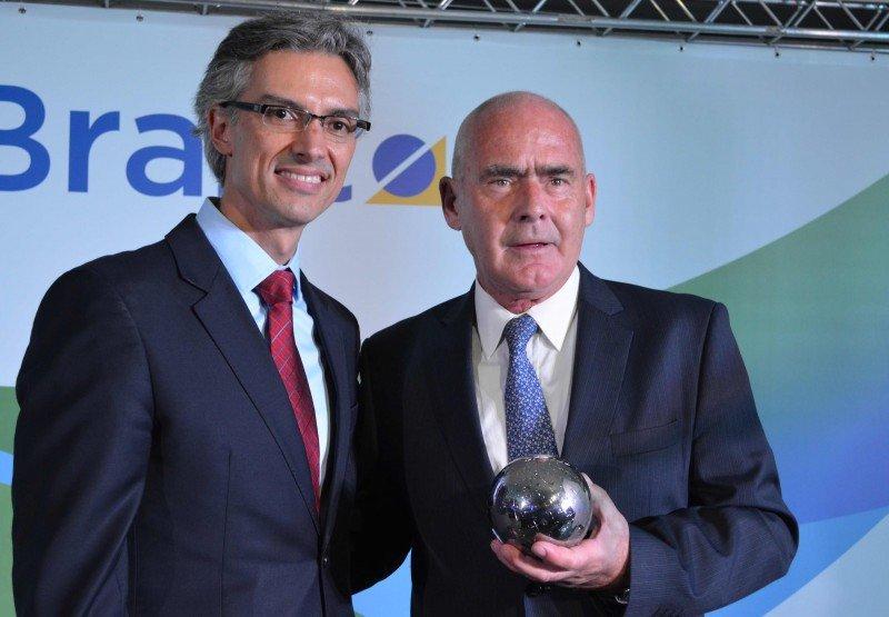 El presidente de Braztoa, Marco Ferra; y el ministro de Turismo de la Nación, Enrique Meyer.