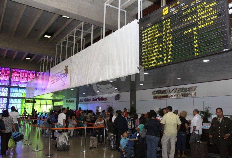 A pesar de las dificultades que enfrentan las aerolíneas, los vuelos están colmados en Venezuela.