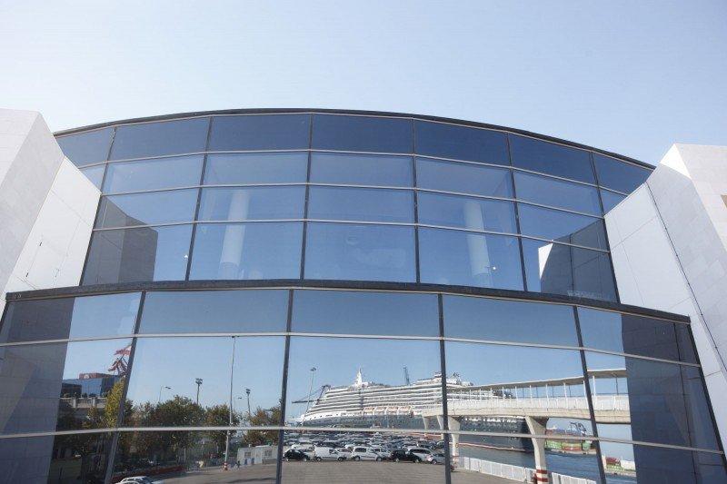 Terminal de Trasmediterranea en Valencia.